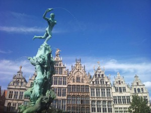Antwerp introduces 'texting lanes'