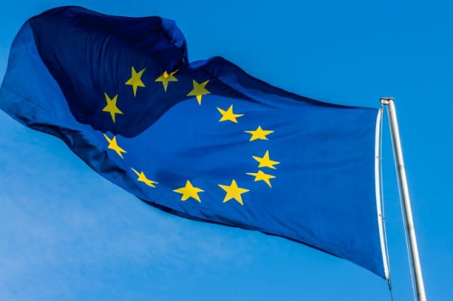 Mobile phone roaming charges cut across EU