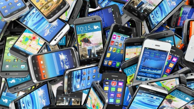 Smartphone shipments fall for first time