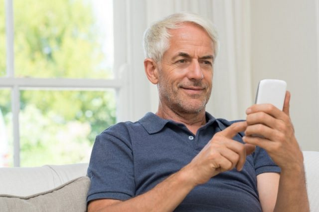 Senior citizens embrace smartphones